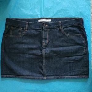 Old Navy Dark Wash Jean Mini skirt Size 18